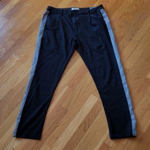 $79 Kenneth Cole Reaction Madison Chino Joggers
